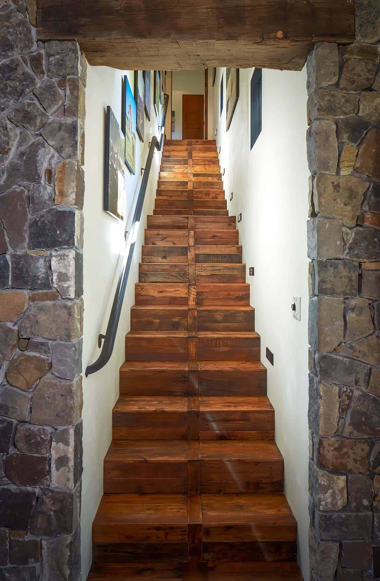 ranch-rustic-staircase