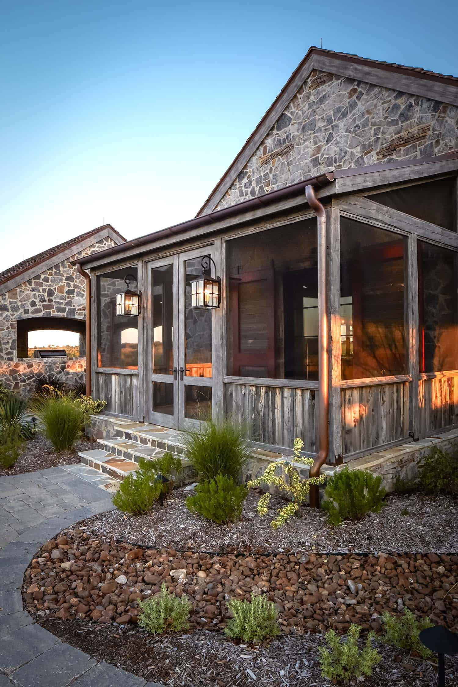 ranch-rustic-exterior