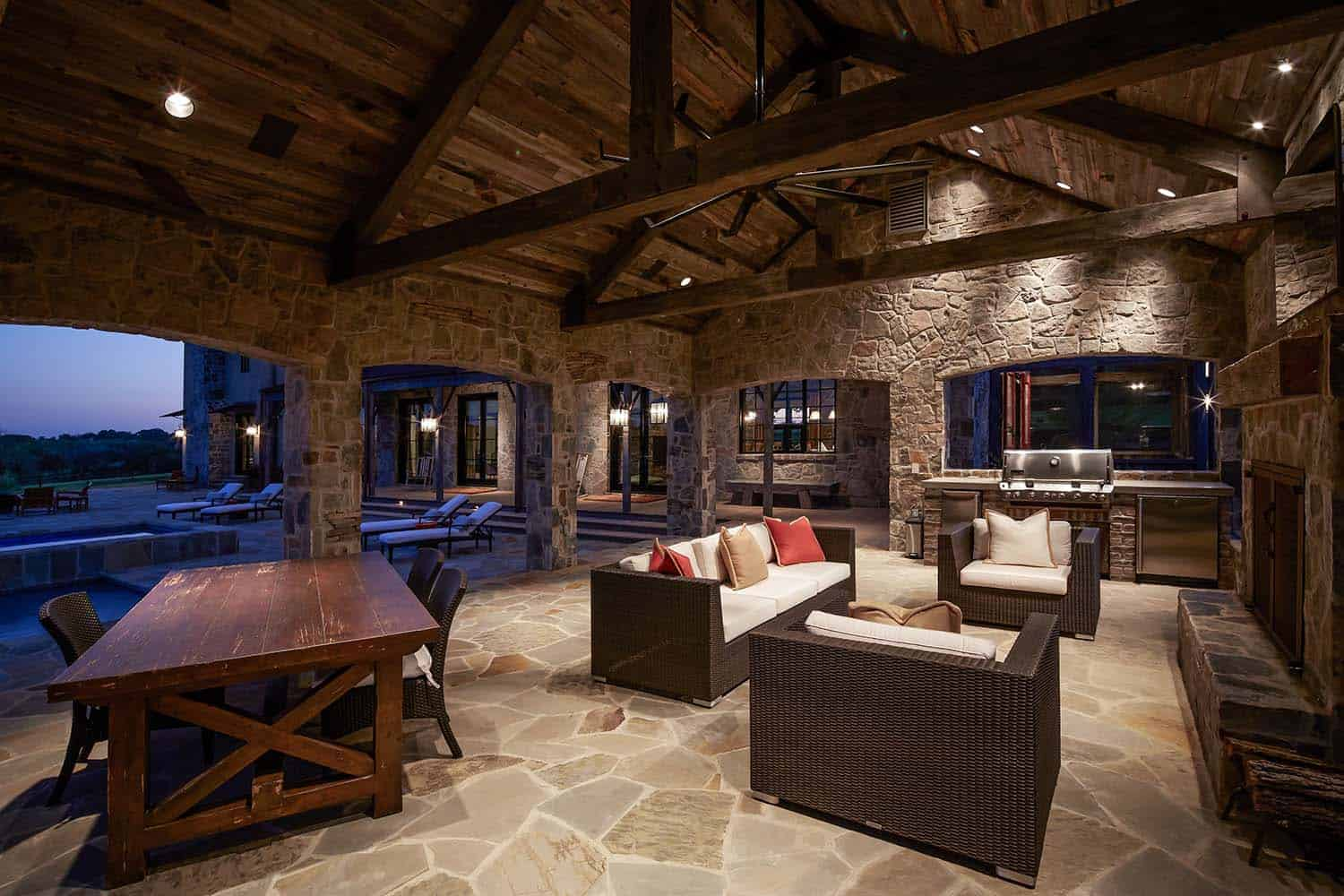 ranch-rustic-patio