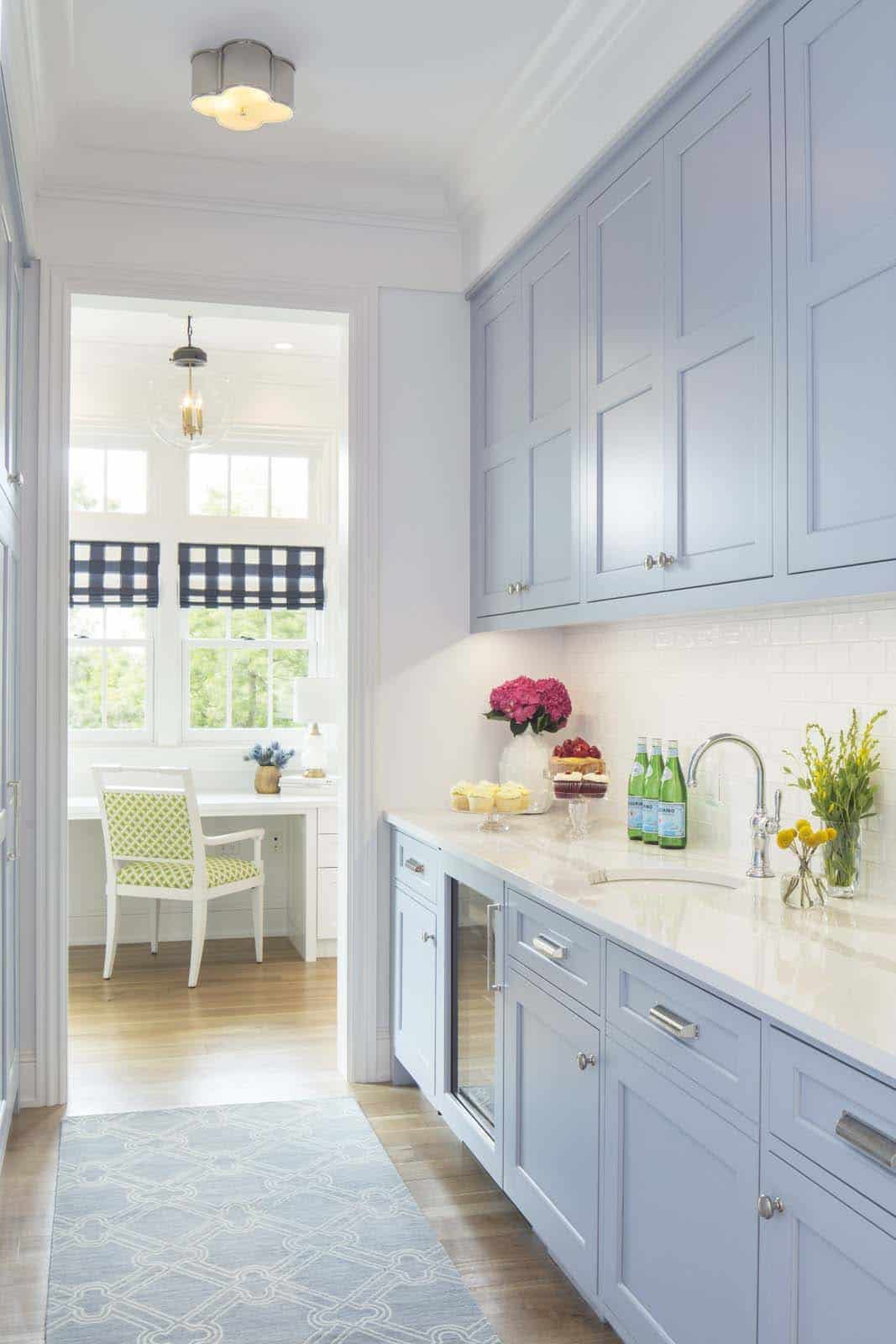 beach-style-kitchen-butlers-pantry