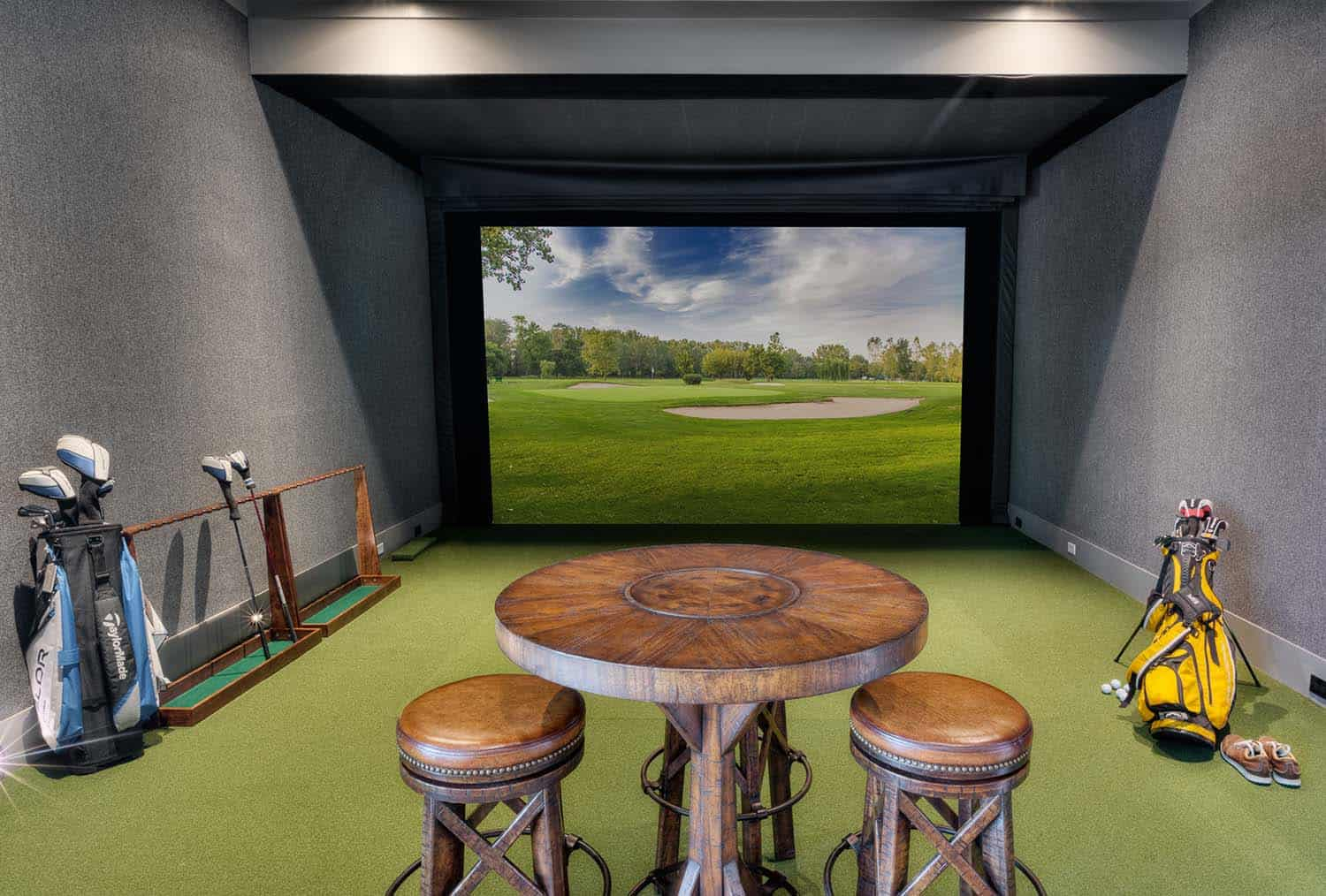 traditional-style-golf-simulator