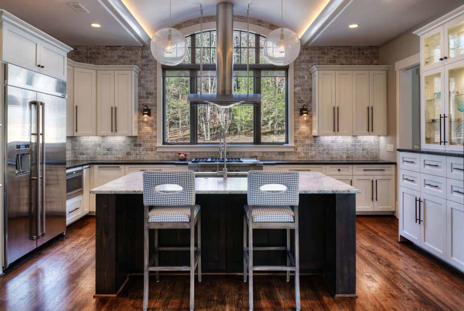 transitional-mountain-home-contemporary-kitchen
