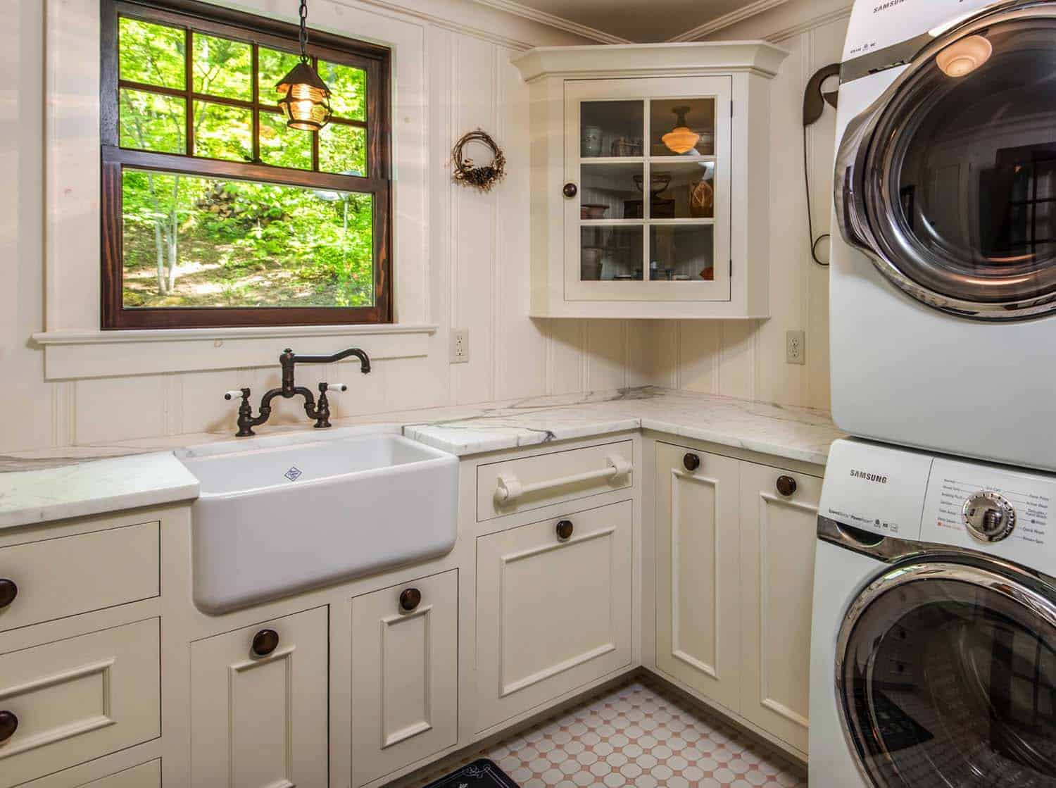 victorian-farmhouse-laundry-room