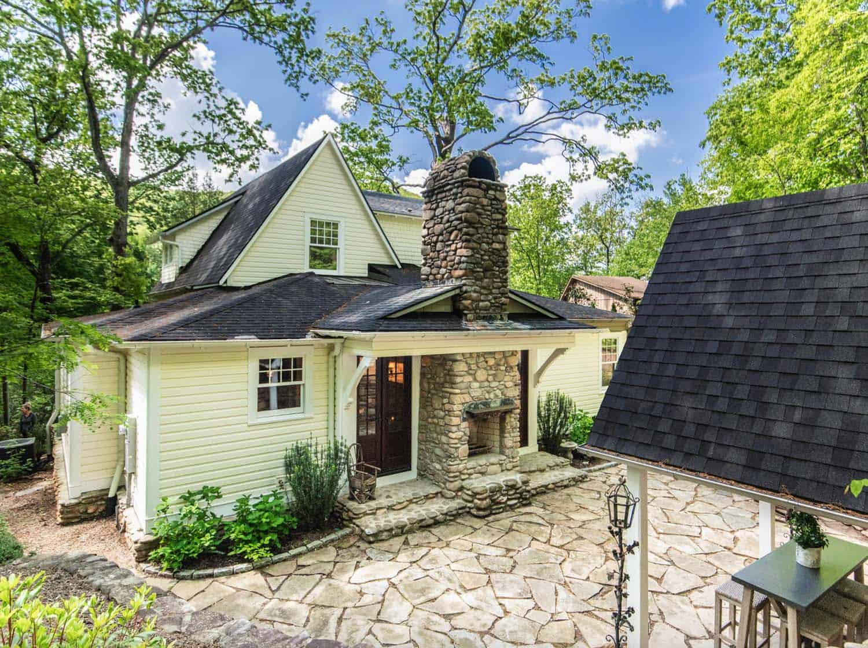 victorian-farmhouse-exterior