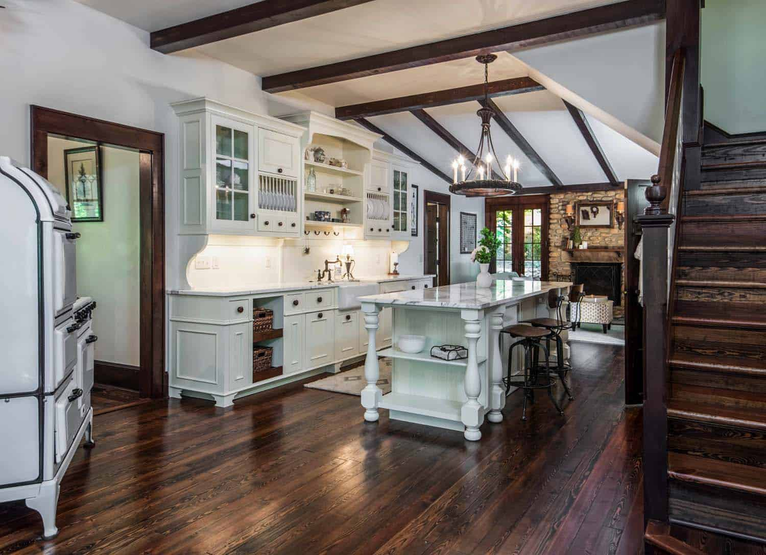 victorian-farmhouse-kitchen