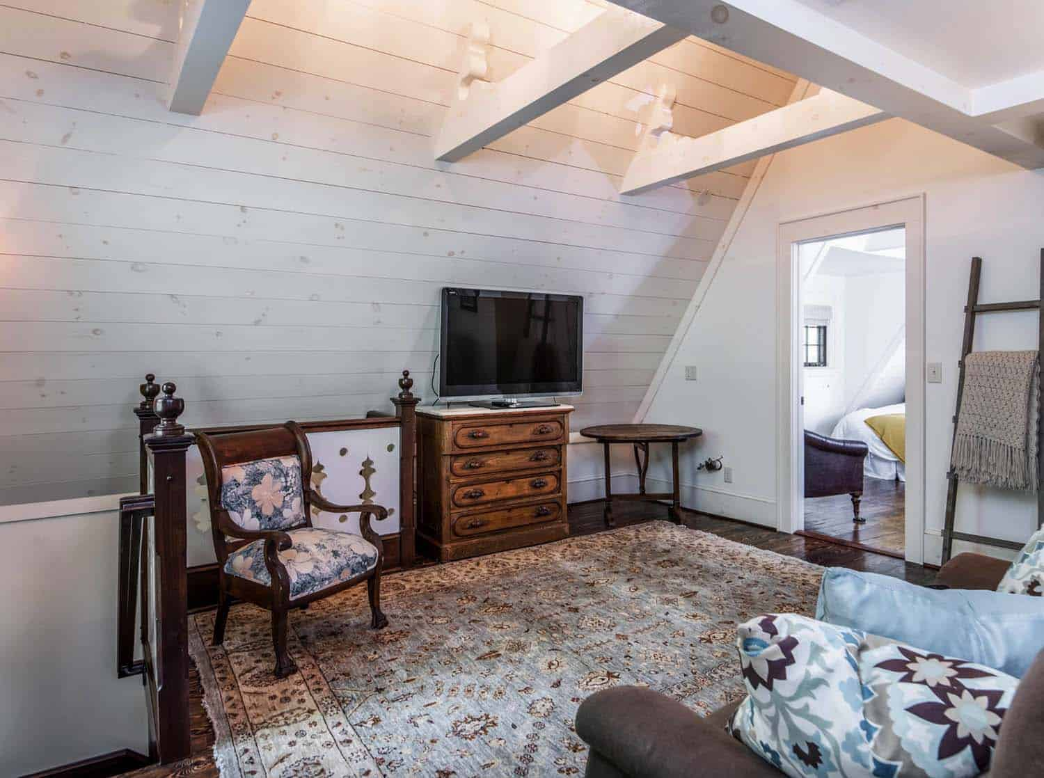 victorian-farmhouse-attic-family-room