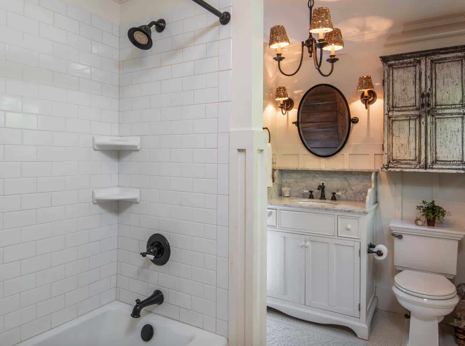 victorian-farmhouse-bathroom