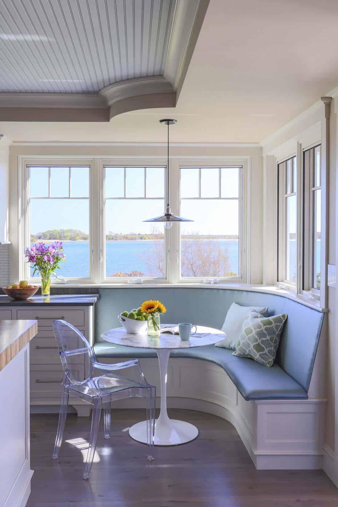 beach-house-kitchen-breakfast-nook