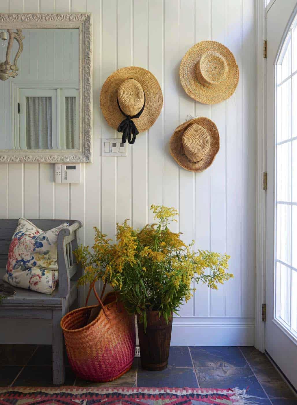 cottage-beach-style-hall