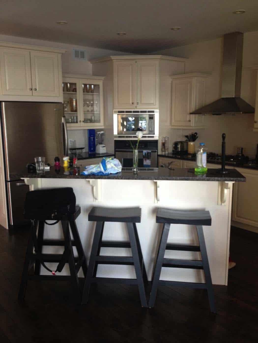 kitchen-prior-to-renovation