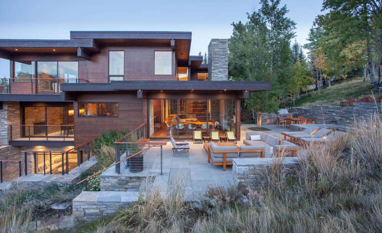 contemporary-hillside-home-exterior