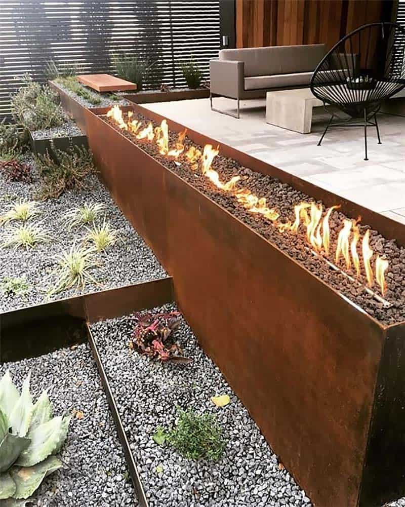 contemporary-home-outdoor-fire-pit