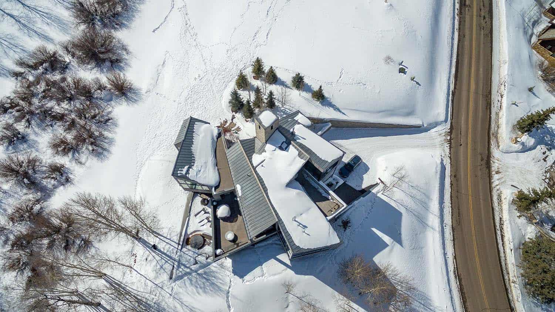 contemporary-mountain-home-exterior-landscape