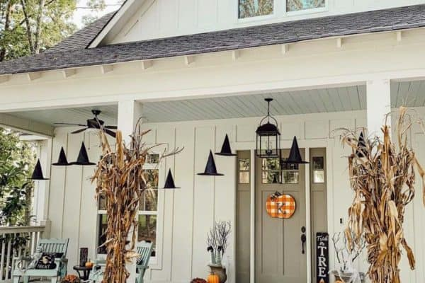 featured posts image for 18 Last-Minute DIY Halloween Decorations For A Spooky Outdoors