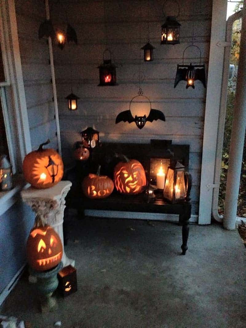 diy-halloween-decoration-outdoors-bat-luminaries