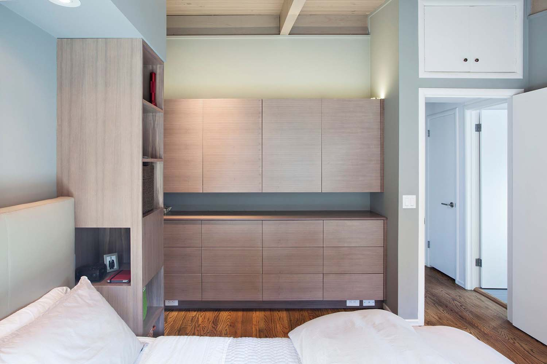 brown-and-kaufman-remodel-midcentury-bedroom