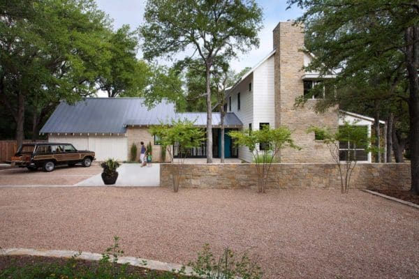 featured posts image for Tour this dreamy modern Texas farmhouse surrounded by oak trees