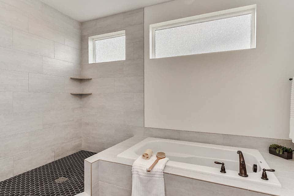 modern-farmhouse-bathroom