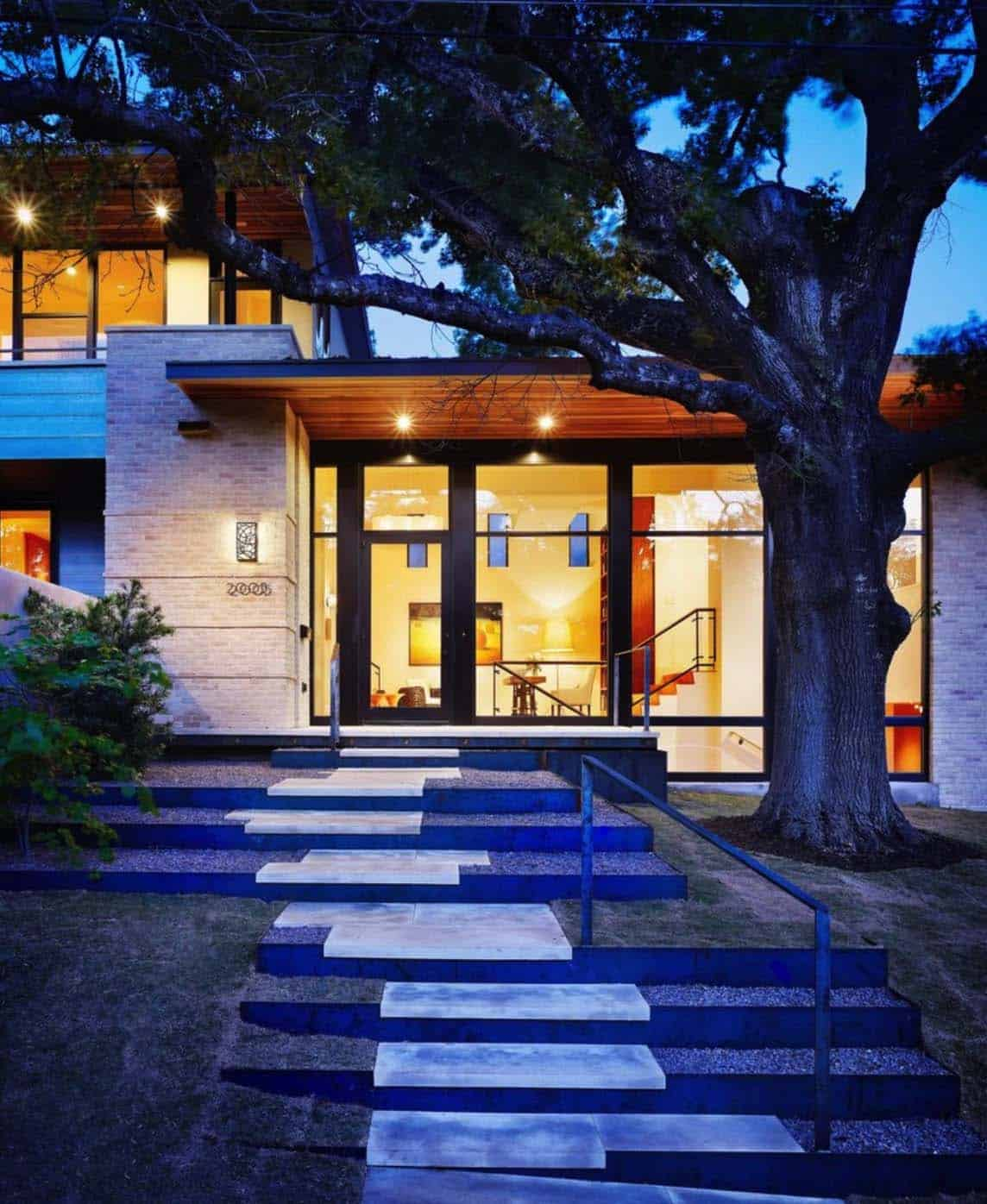 contemporary-home-exterior-entry