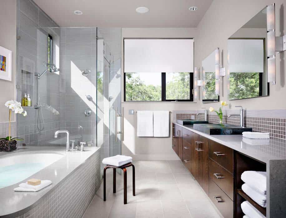 master-modern-bathroom