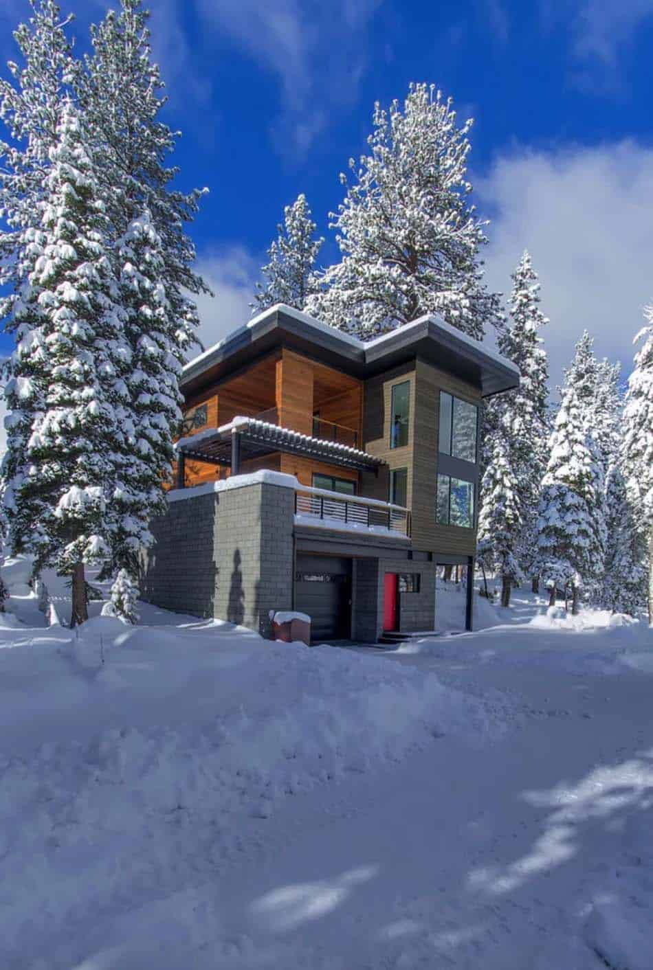 modern-prefabricated-mountain-home-exterior