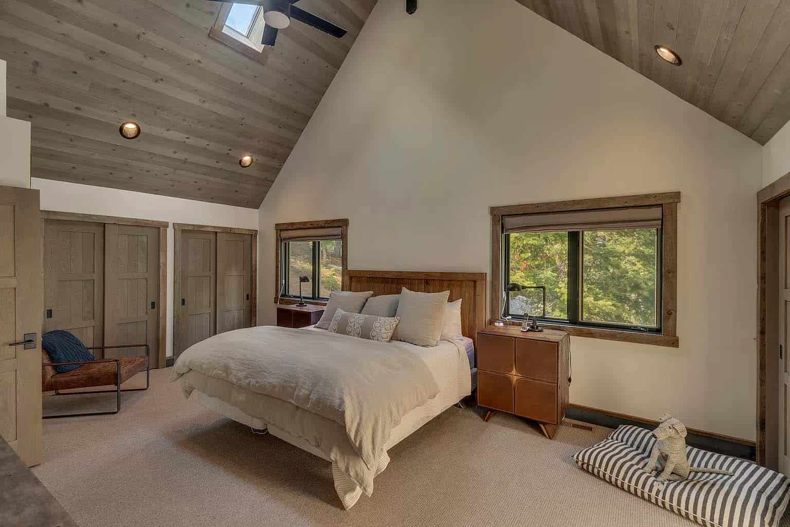 mountain-modern-chalet-bedroom