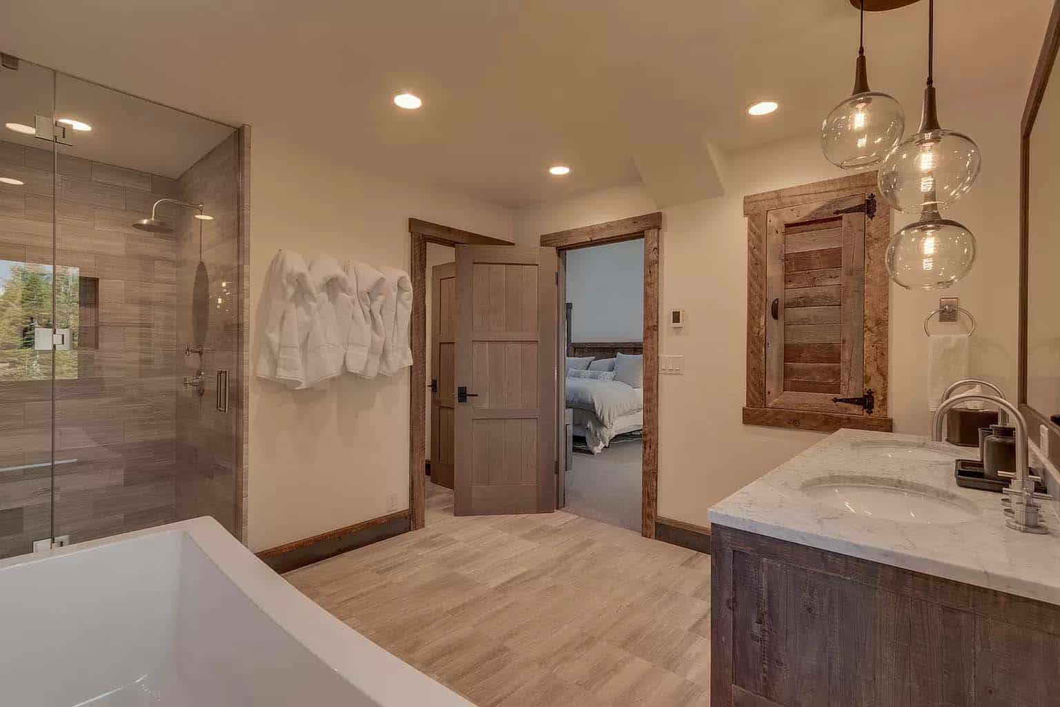 mountain-modern-chalet-bathroom