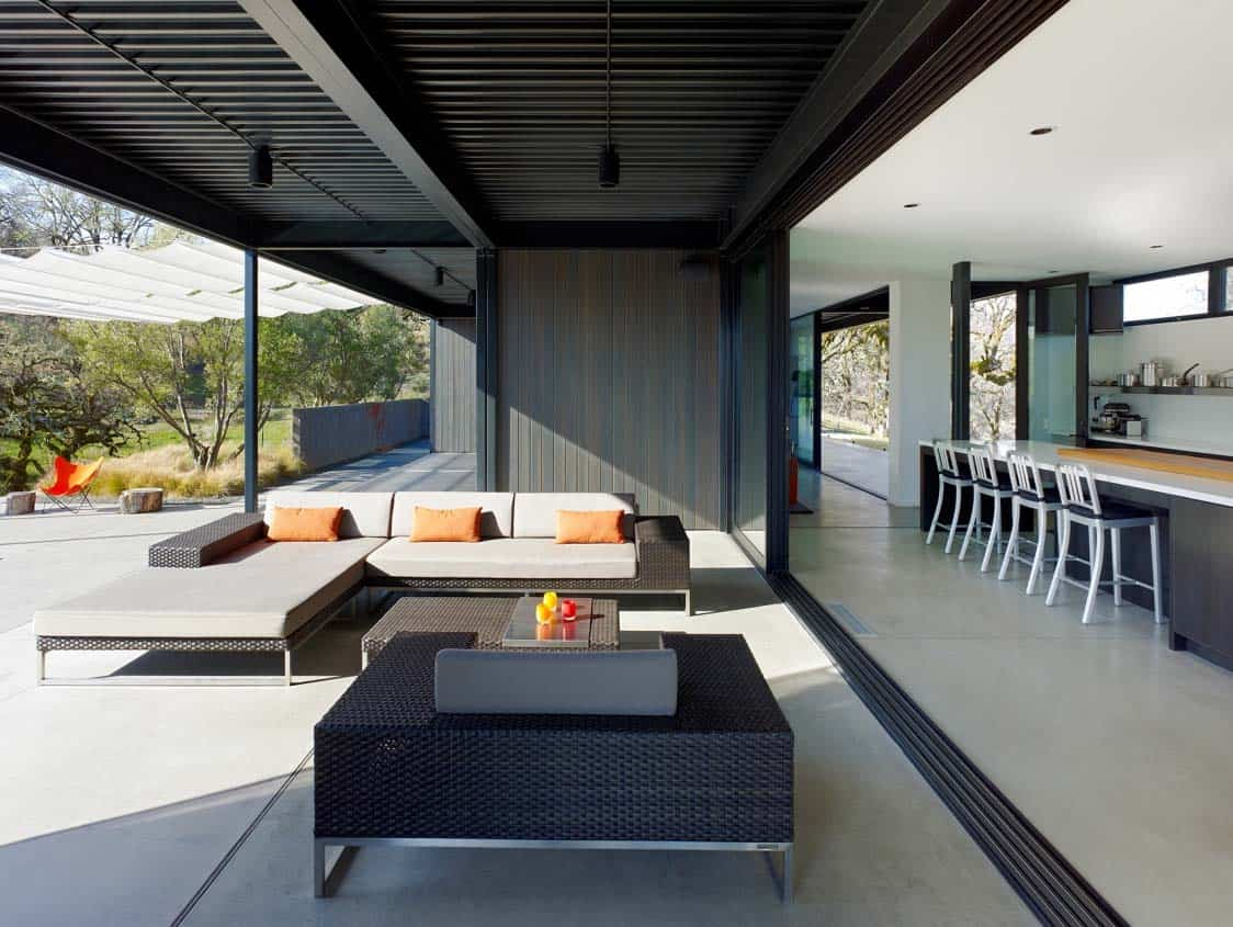prefabricated-home-covered-deck