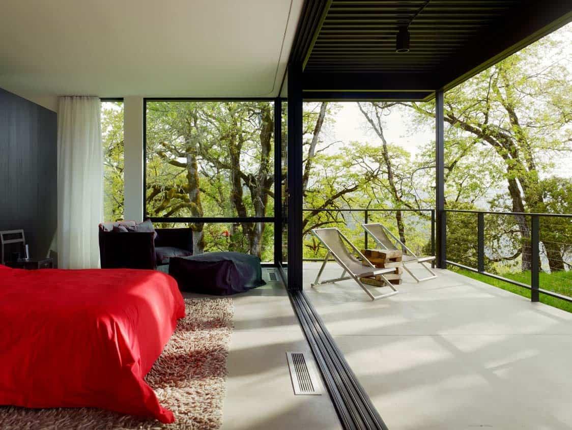 modern-bedroom-private-deck