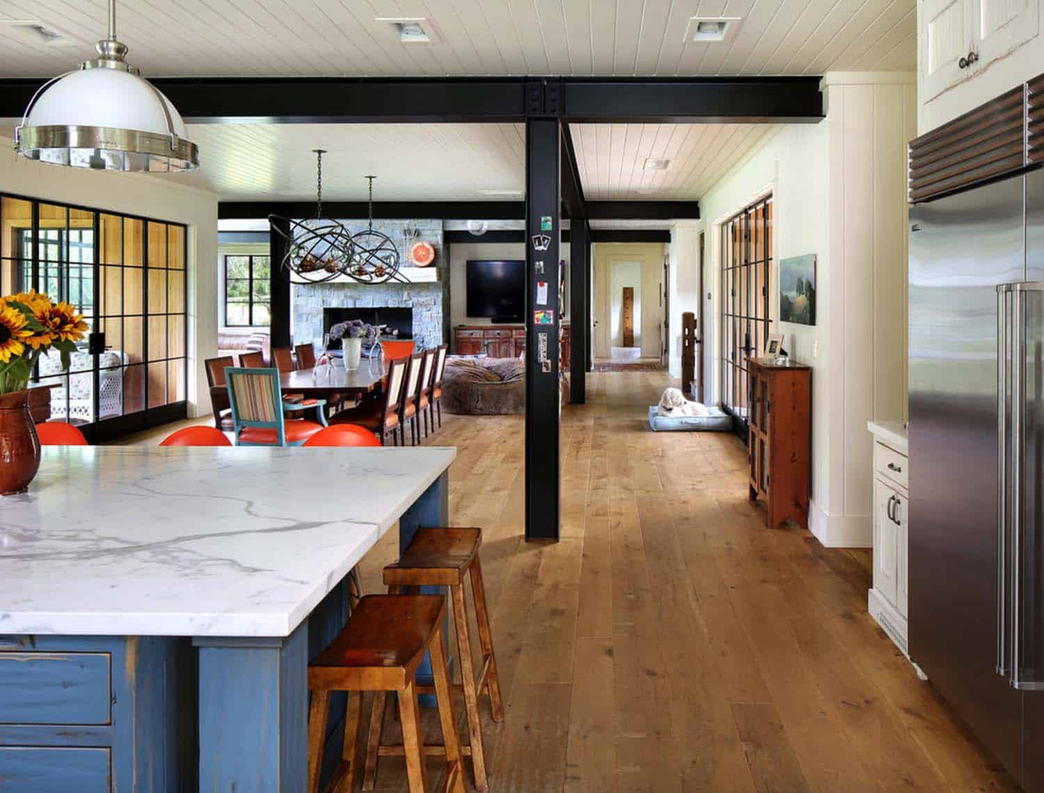rustic-contemporary-dining-room