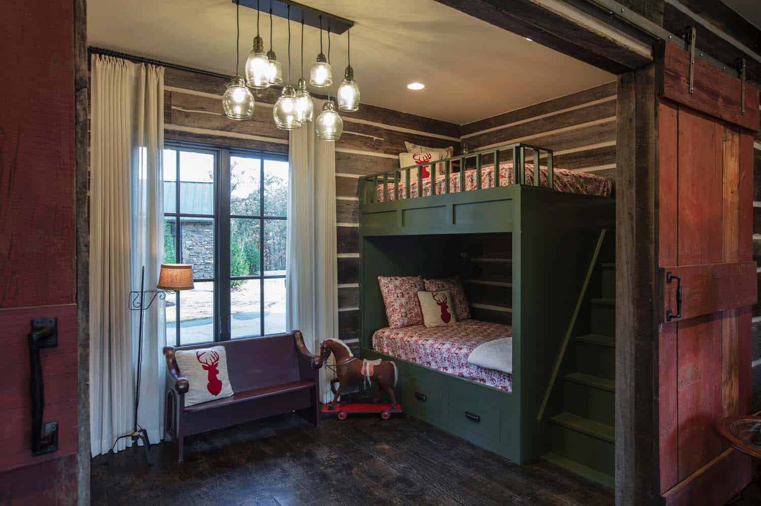 farmhouse-rustic-kids-bedroom