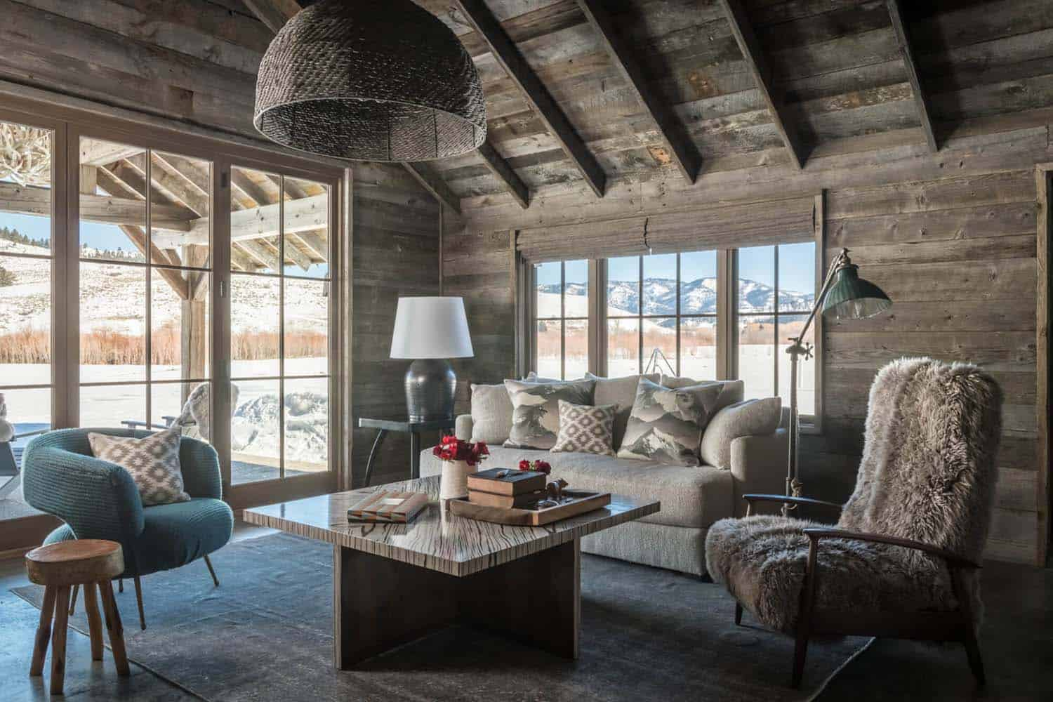 guest-house-rustic-living-room