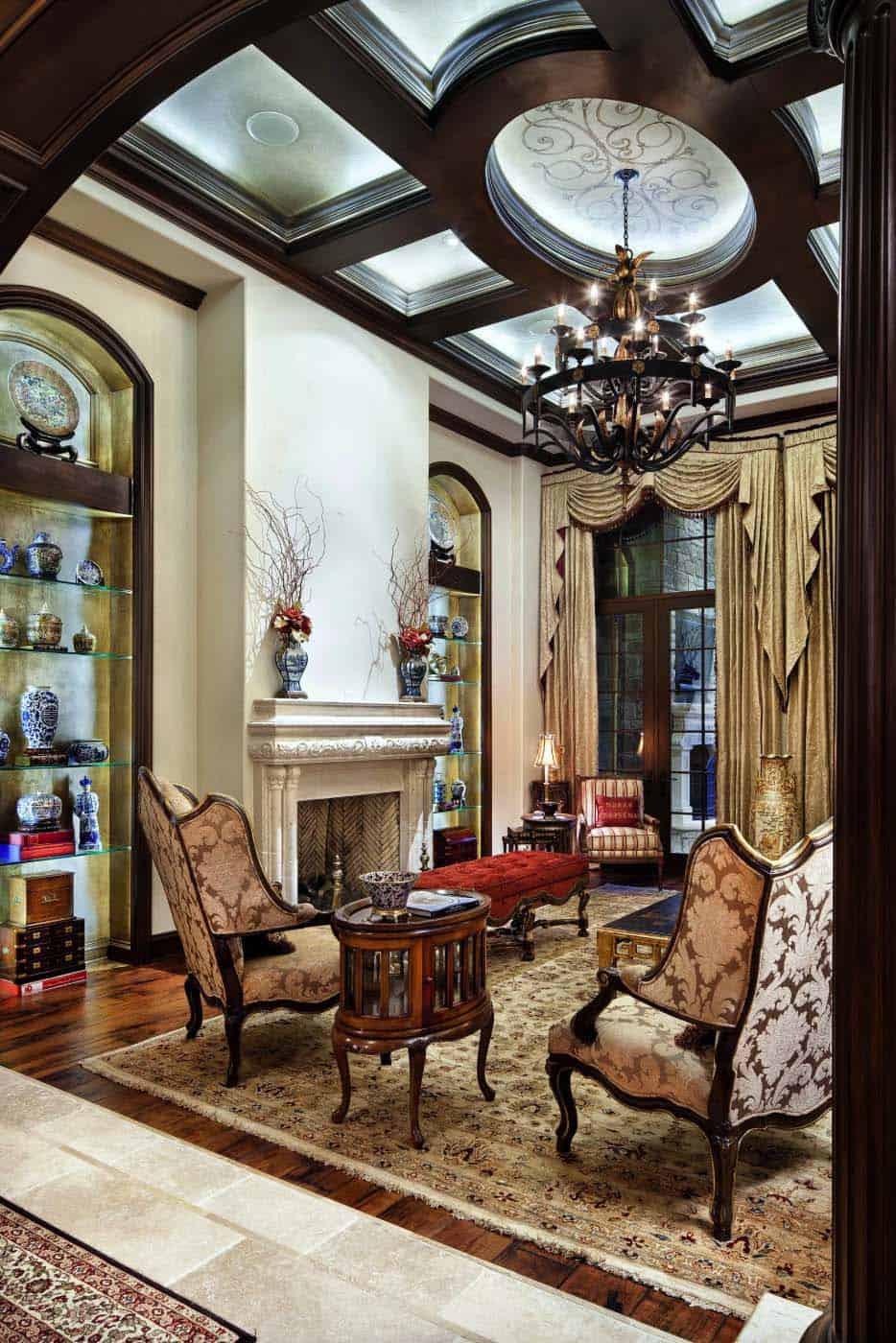 english-manor-traditional-living-room