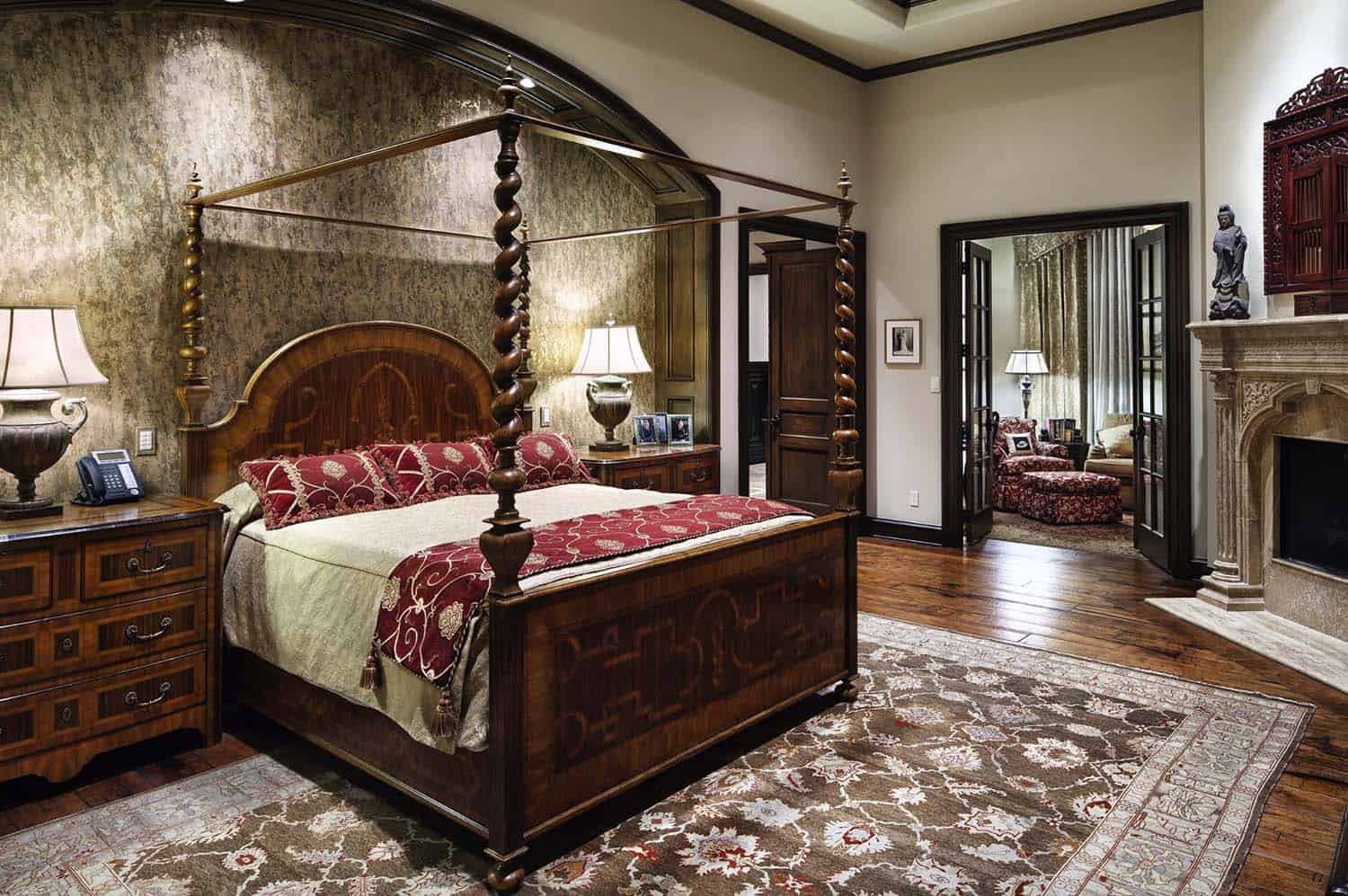 english-manor-traditional-bedroom