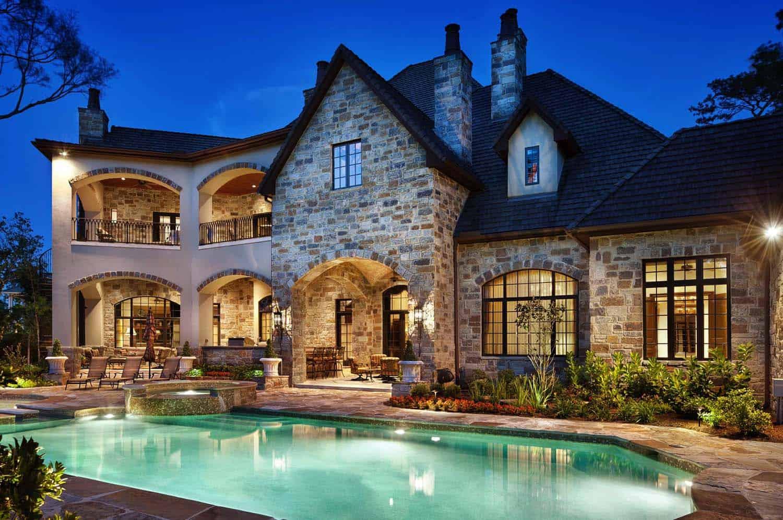 english-manor-traditional-pool