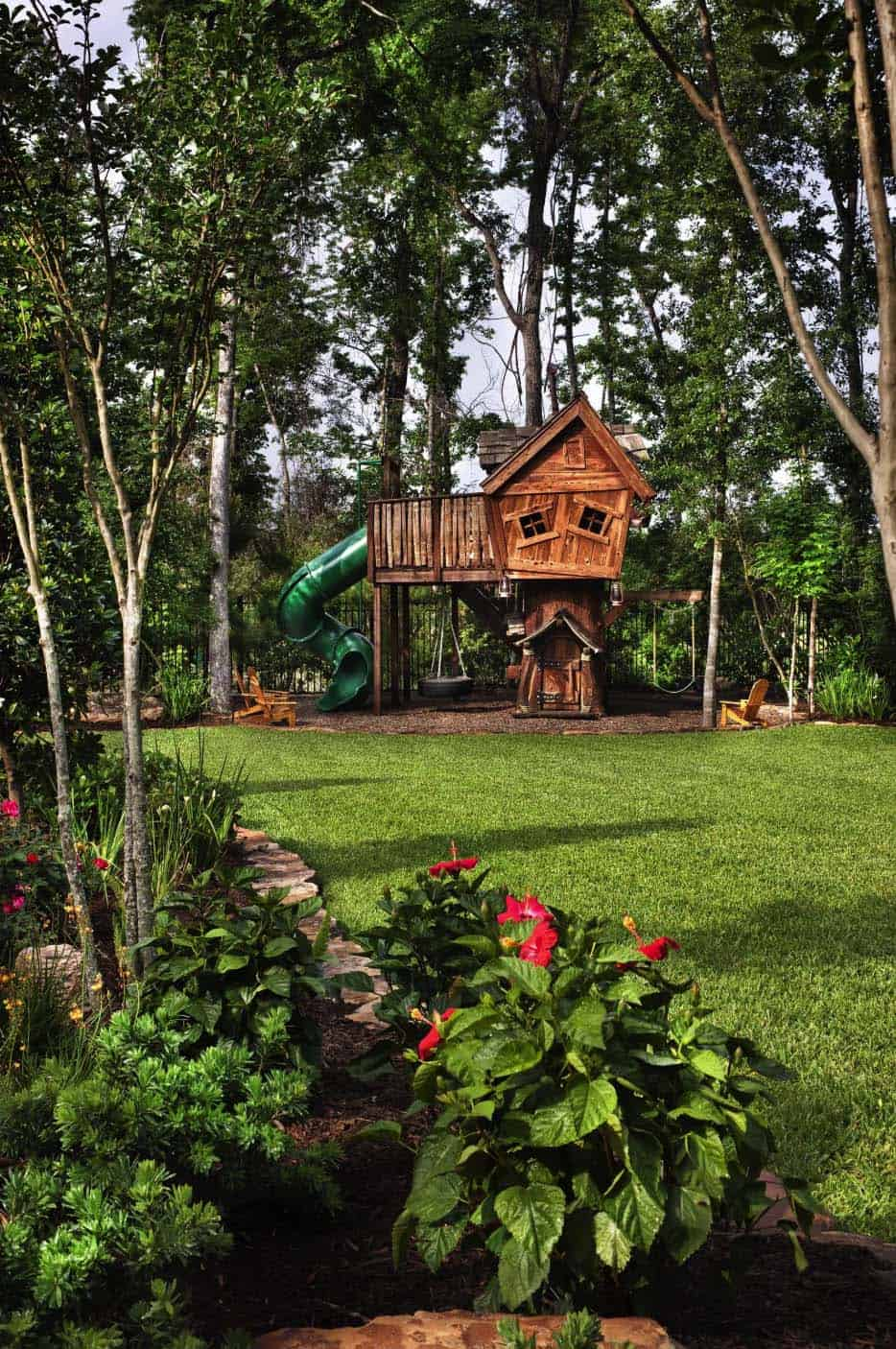 english-manor-traditional-landscape-kids-playhouse