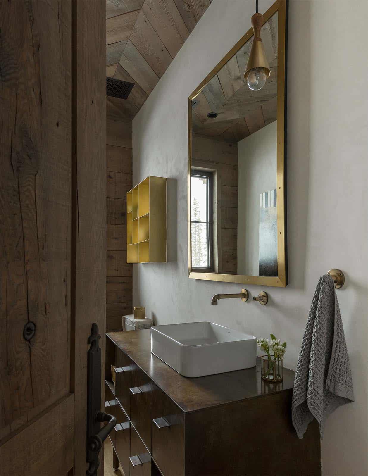 alpine-chalet-powder-bathroom