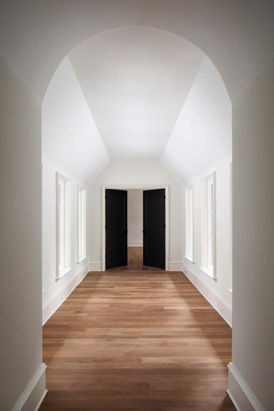 catwalk-transitional-hall