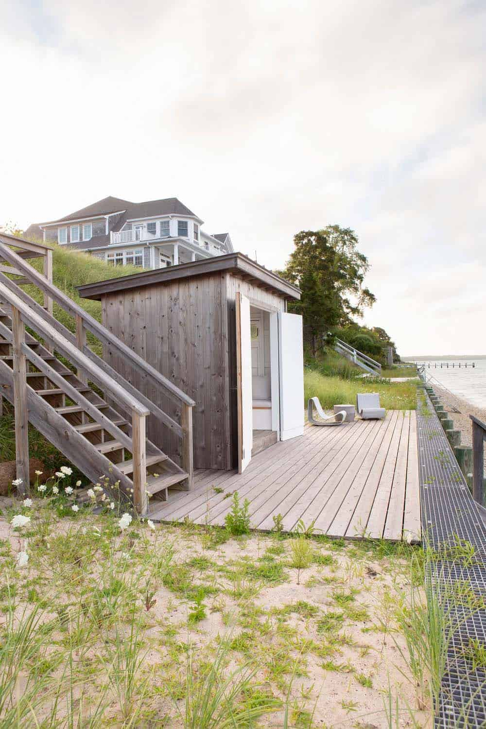 waterfront-beach-style-deck
