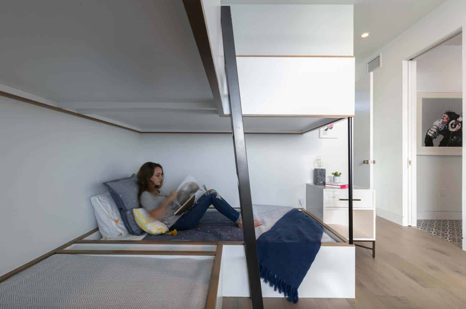 contemporary-kids-bunk-bedroom