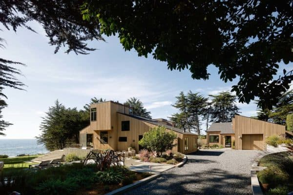 featured posts image for Secluded wooden family retreat perched on a cliff in Sea Ranch