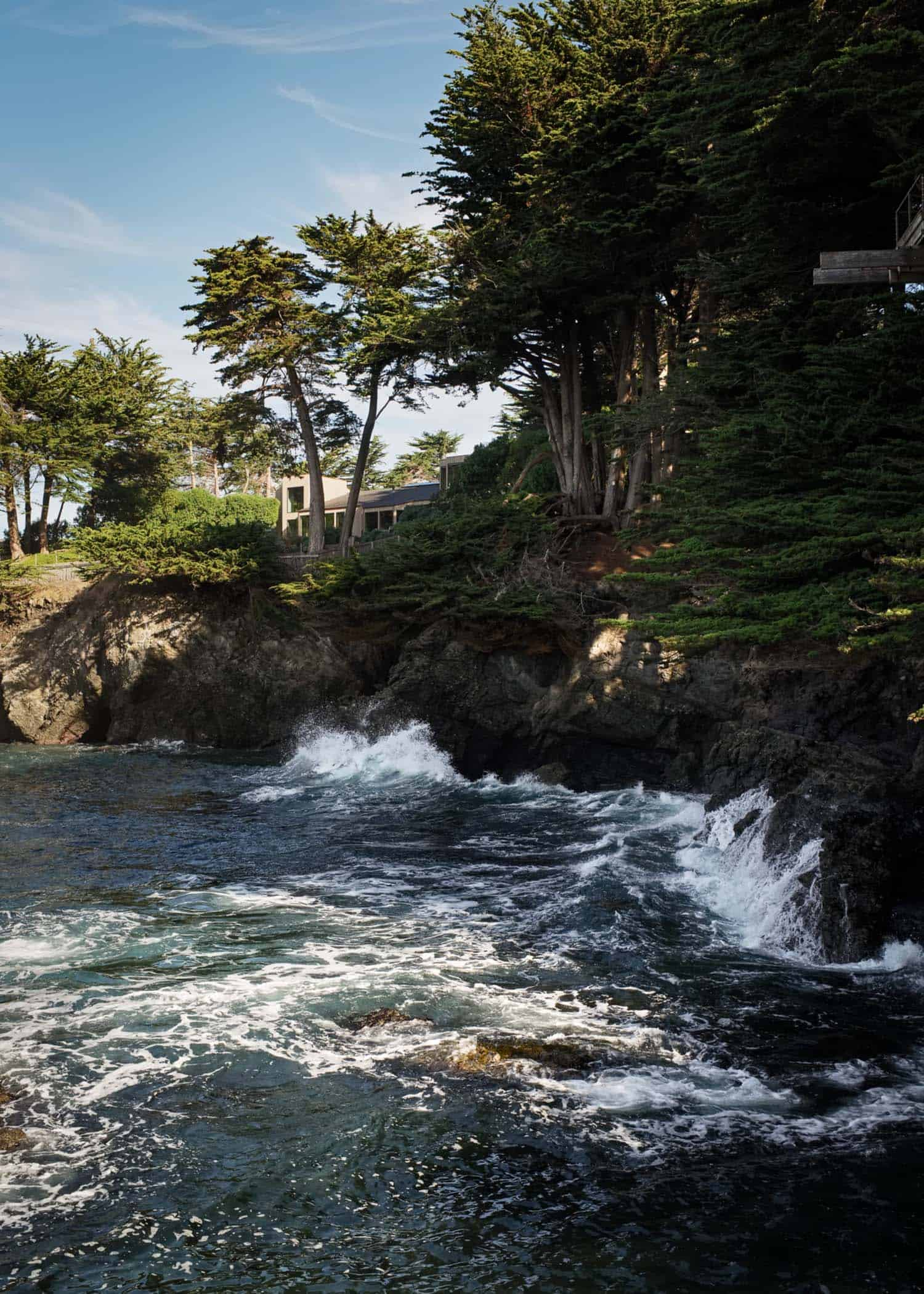 family-retreat-cliffside-sea-ranch