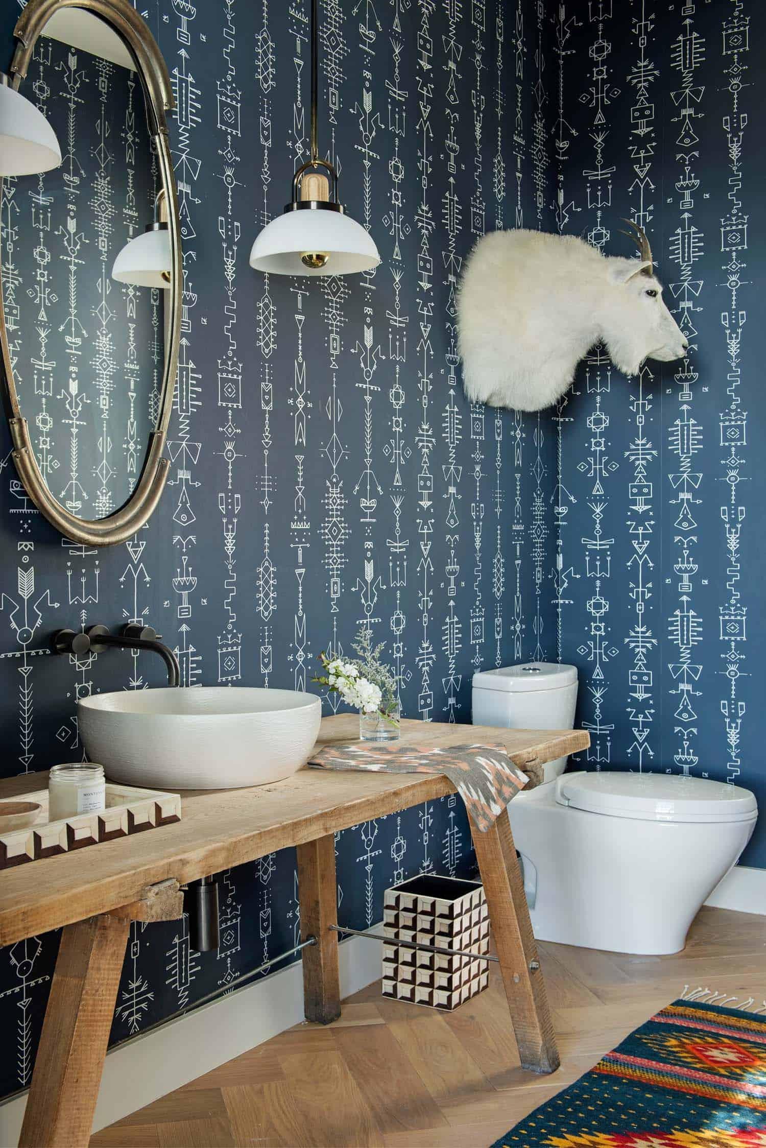 ski-chalet-bathroom