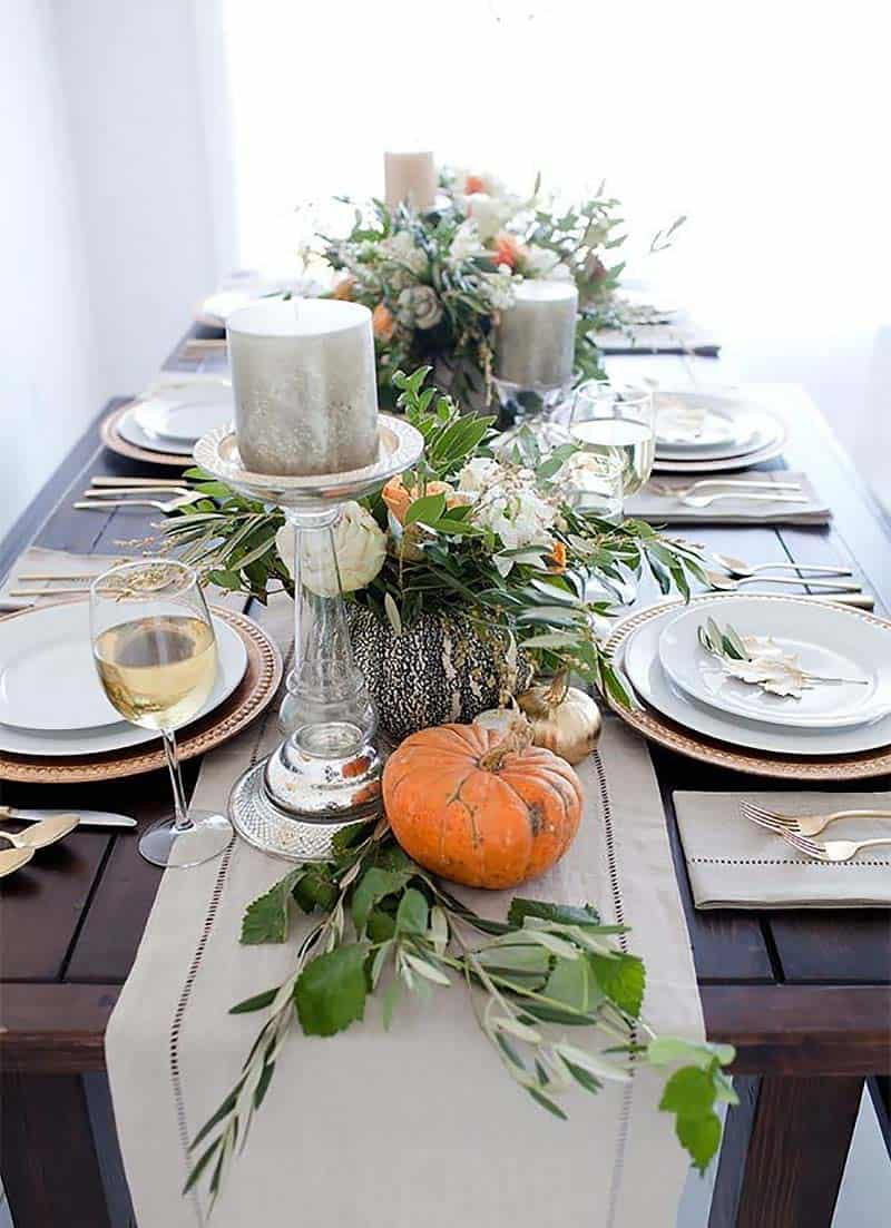 thanksgiving-decor-ideas-pumpkins-centerpiece