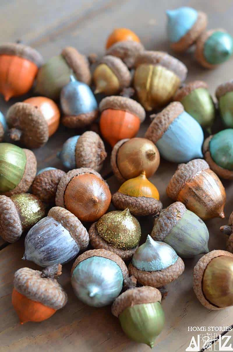 thanksgiving-decor-ideas-painted-acorns