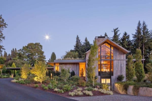 featured posts image for Gorgeous country home in Oregon features barn-like details