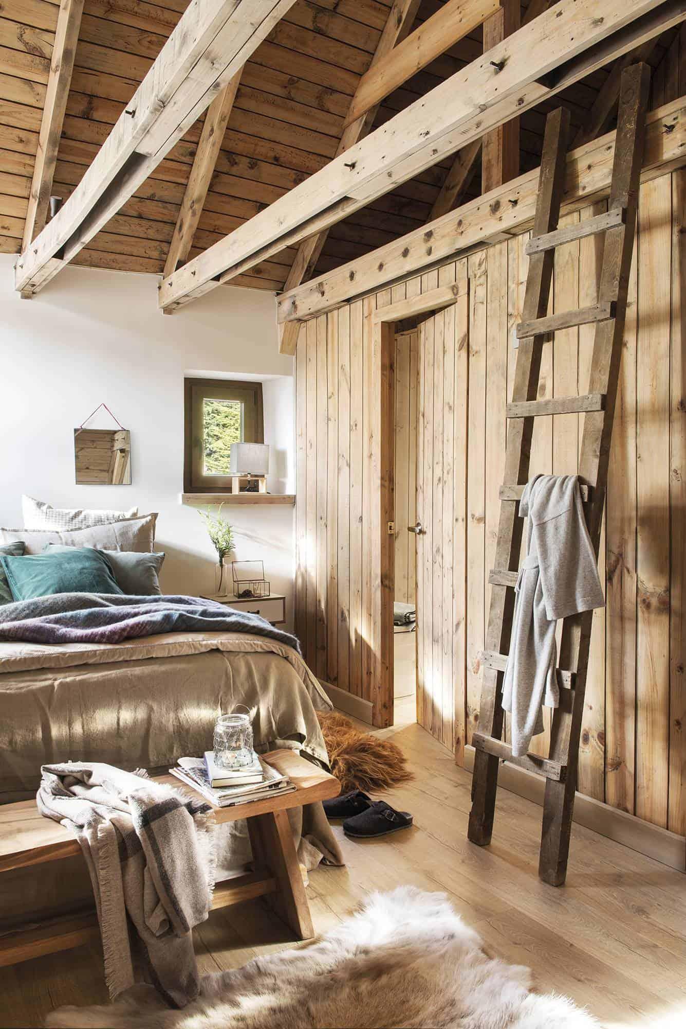 cozy-woodsy-mountain-cabin-bedroom