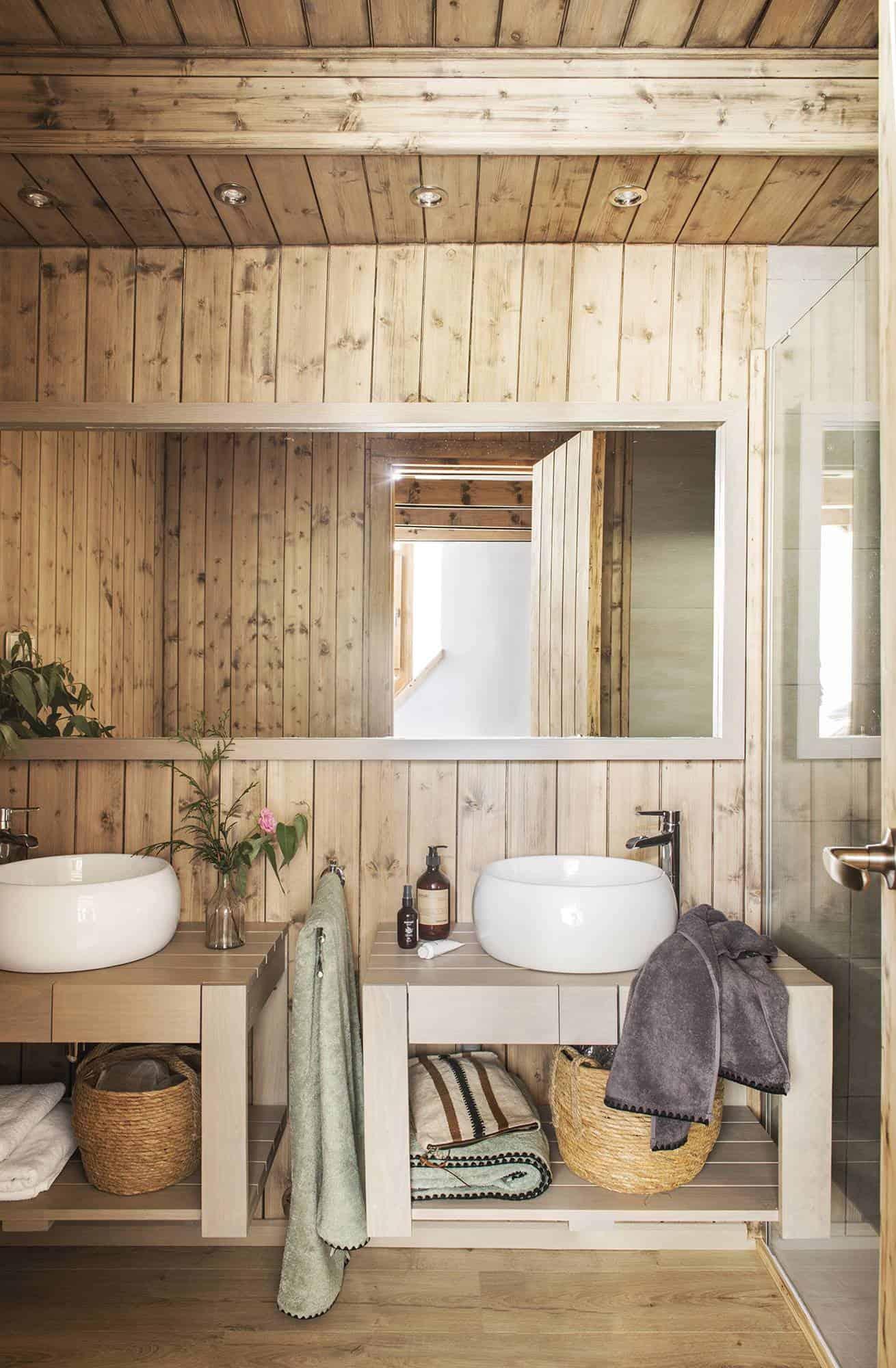 mountain-cabin-bathroom