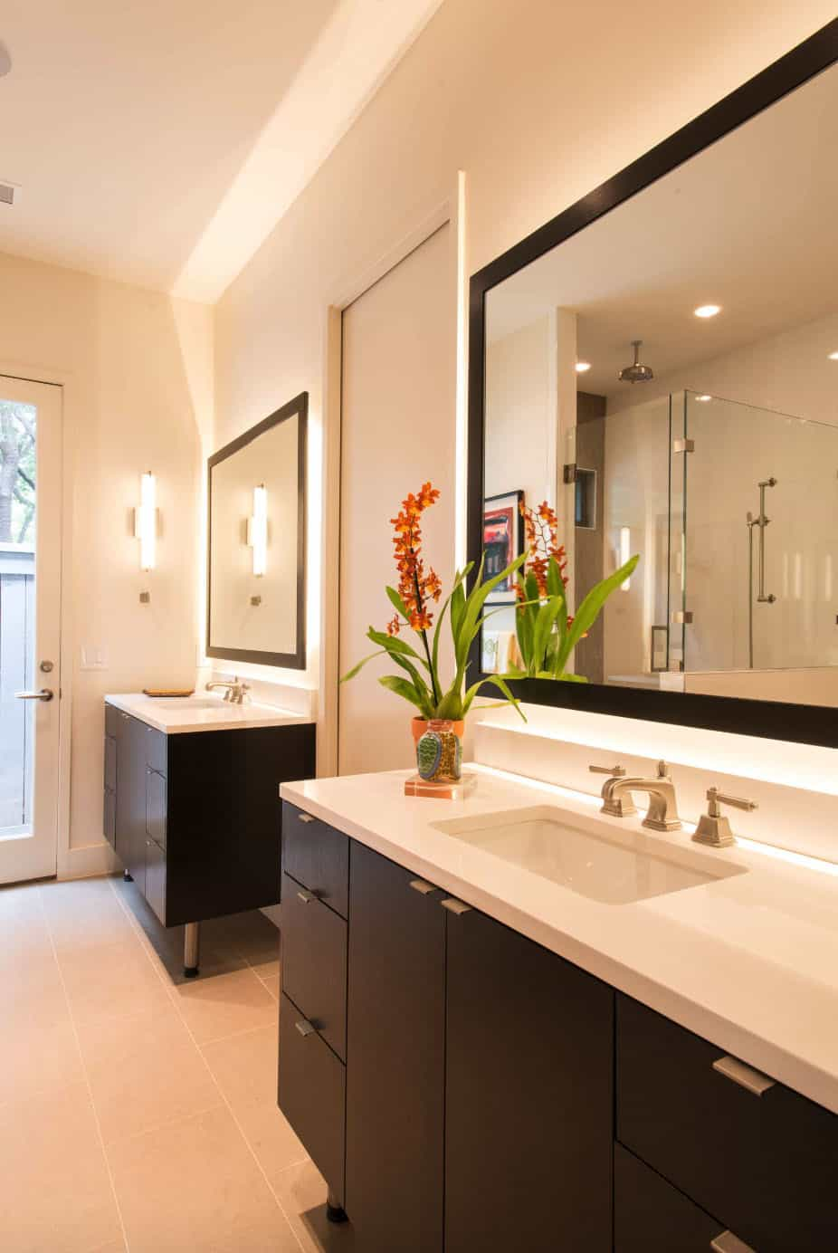 modern-farmhouse-contemporary-bathroom