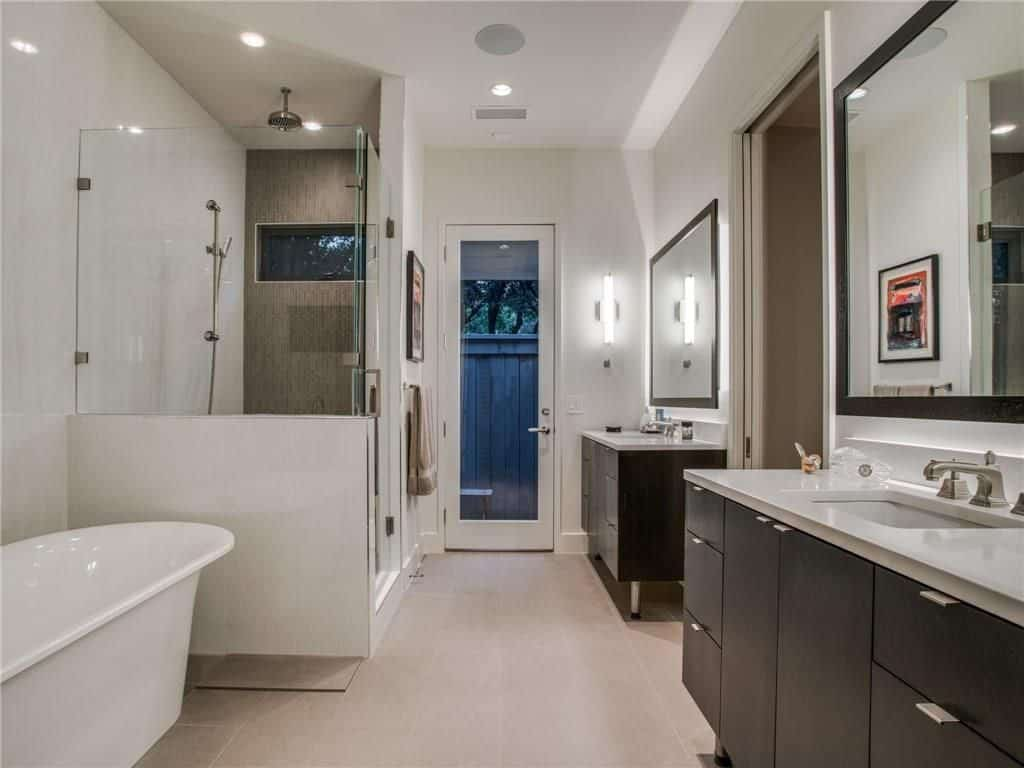 modern-farmhouse-contemporary-master-bathroom